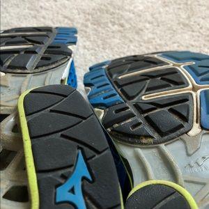 Mizuno Shoes - Men's Mizuno Wave Creation Size 10.5